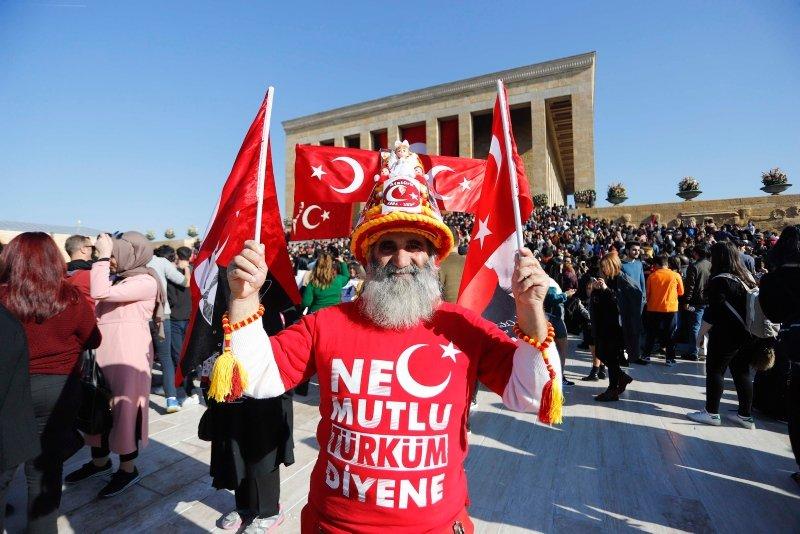 Atatürk'ün vefatının 81. yılında Anıtkabir ziyaretçi akınına uğradı