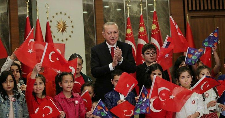 Tek yürek İstiklal Marşı'nı söyledik