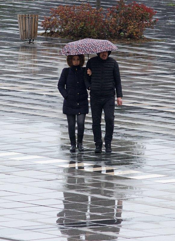 İzmir'de hava nasıl olacak? Meteoroloji'den son dakika uyarısı! 23 Mart Pazartesi hava durumu...