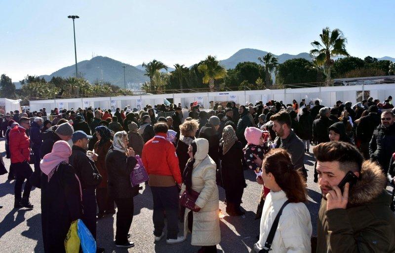 İzmir'de Hamsi Festivali; 10 ton hamsi tüketildi, horon oynandı