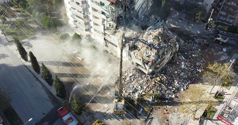 İzmir'deki depremde 11 kişinin öldüğü Yılmaz Erbek Apartmanı'nda yıkım 'geliyorum' demiş