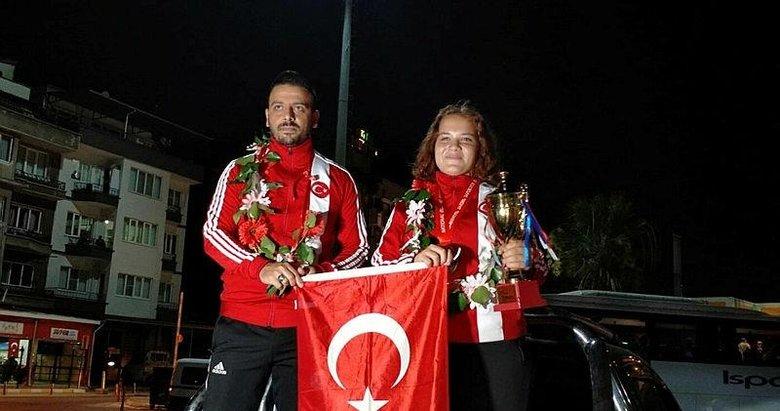 Avrupa üçüncüsü boksöre Nazilli'de coşkulu karşılama