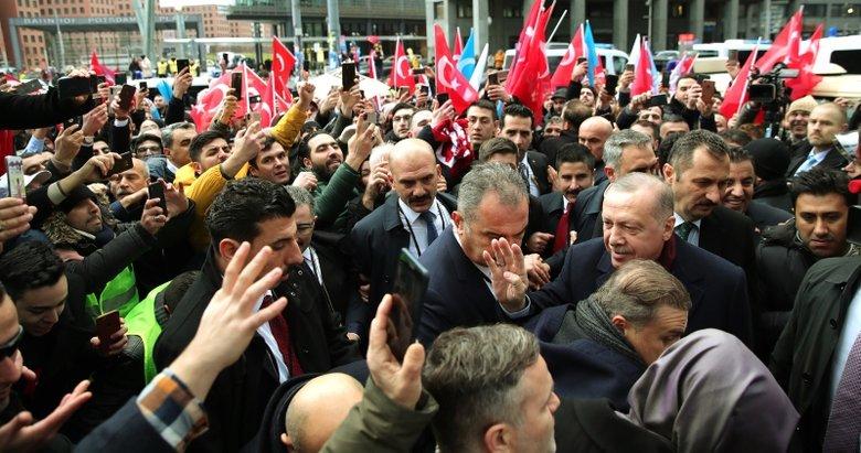 Başkan Erdoğan'a Almanya'da sevgi seli