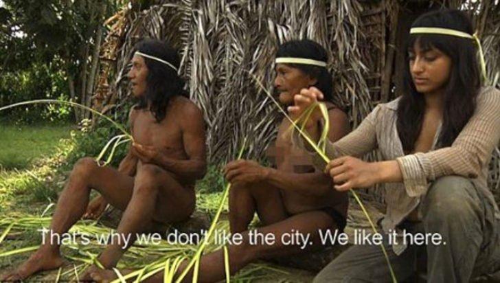 Belgesel için gittiği kabilede başına gelenler....
