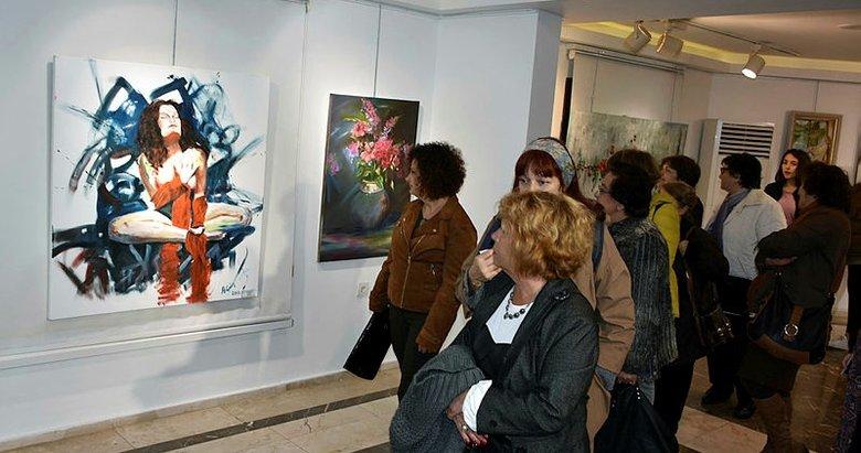 Marmaris'te 'kadın ve çiçek' resim sergisi