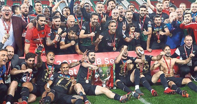 Şampiyon Akhisar