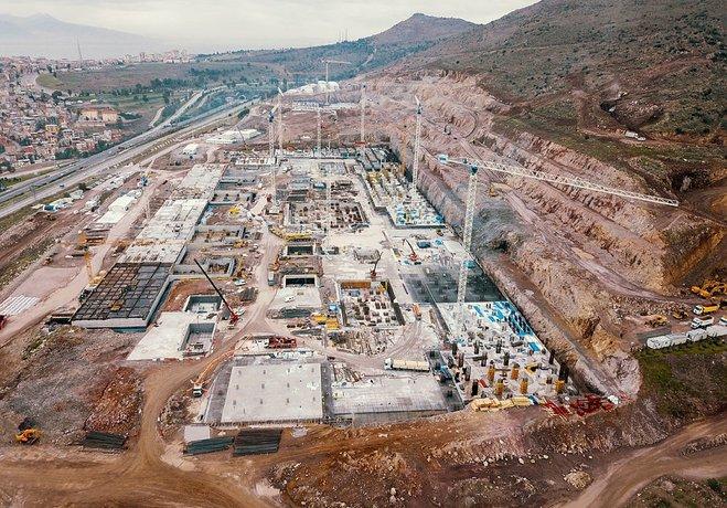 İzmirin en büyük projesi yükseliyor