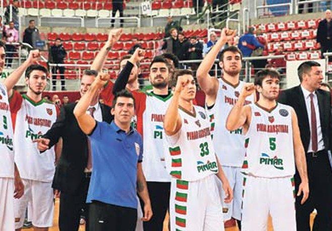 Bu yıl Tahincioğlu Basketbol Süper Ligi'nde 5 haftada 4 yenilgi alarak en kötü sezon başlangıcını yapıp düşme hattına demir atan Pınar Karşıyaka, Avrupa'da ise tam tersi bir görüntü sergiliyor.