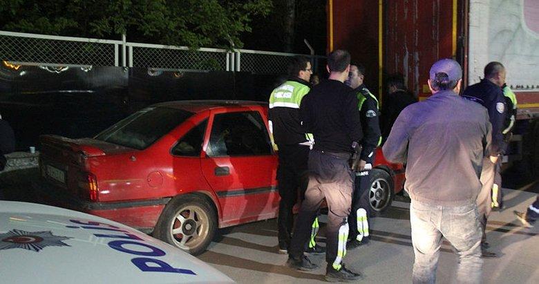Polise çarpıp kaçan sürücü karısını suçladı
