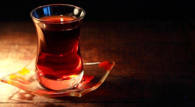 Çayın yanlış tüketimiyle gelen risklere dikkat! Çayın zararları nelerdir?