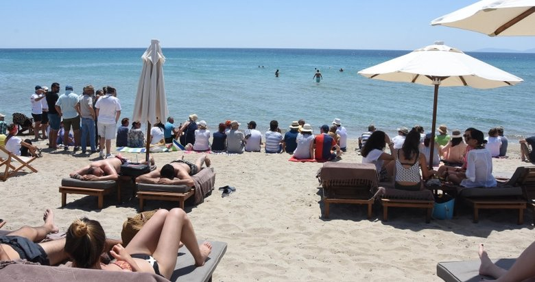 Çeşme'de kapatılan halk plajında gerilim sürüyor