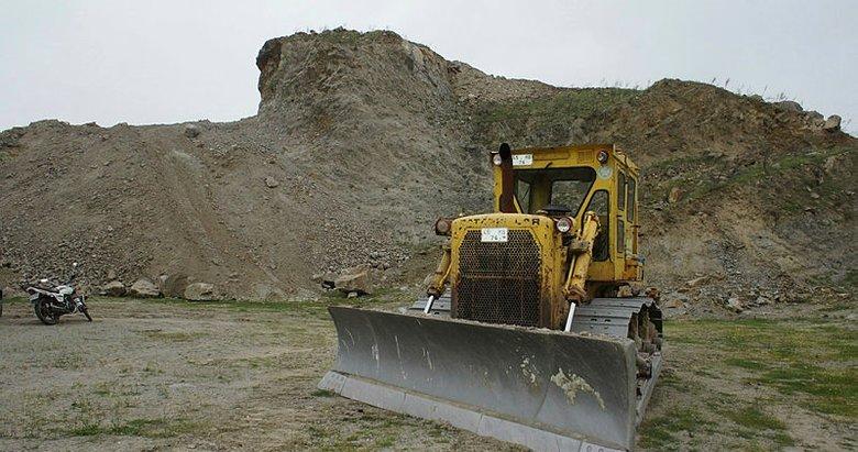 Manisada sit alanında kepçeli kazıya gözaltı