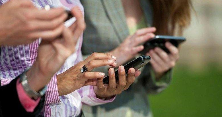 Akıllı telefonlar bizi dinliyor mu? Konuştuklarımızın reklamını neden görüyoruz?