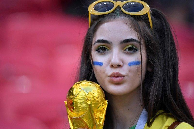 Dünya Kupası'nda güzeller geçidi