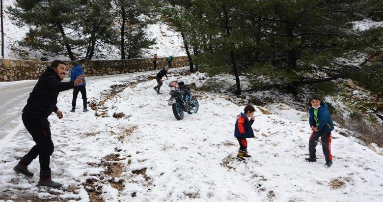 Datça'ya 2 yıl aradan sonra kar yağdı