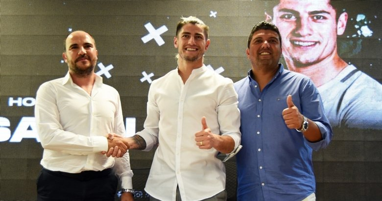 Denizlispor'un yeni transferi Sagal, sözleşmeye imza attı