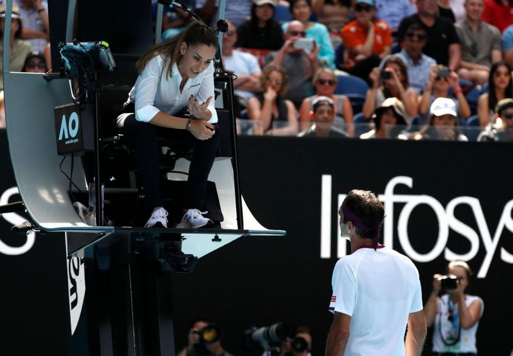 Hakem Marijana Veljovic güzelliğiyle Federer'in maçından daha çok konuşuldu
