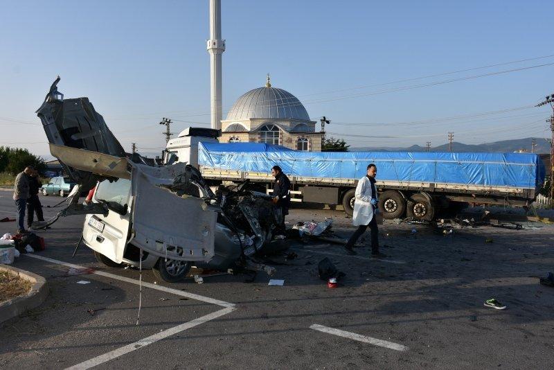 Amasya'da trafik kazası: 3 ölü, 6 yaralı