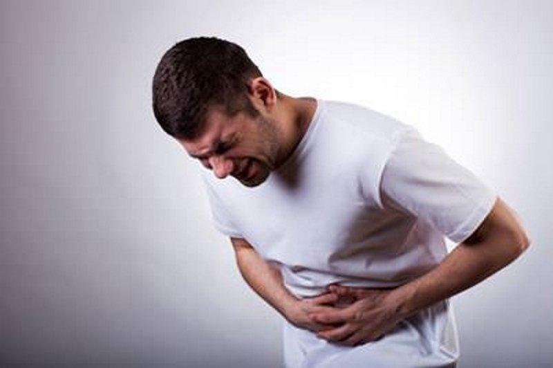 Sırta vuran karın ağrısının nedeni pankreas iltihabı olabilir
