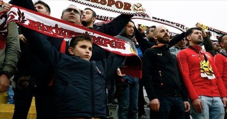 Görme engelli Kaan, Eskişehirspor'un uğuru oldu