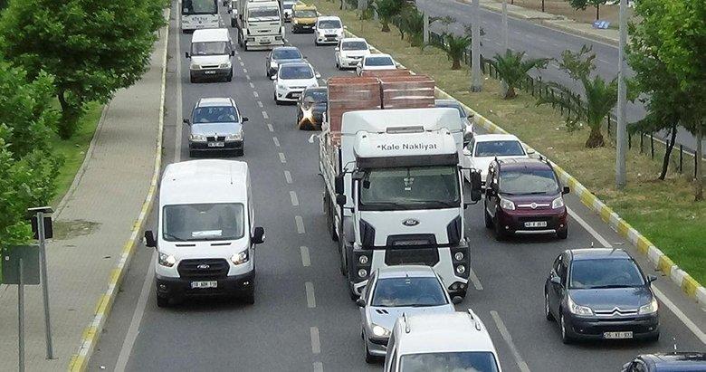 Kuzey Ege'de yollarda tatil yoğunluğu