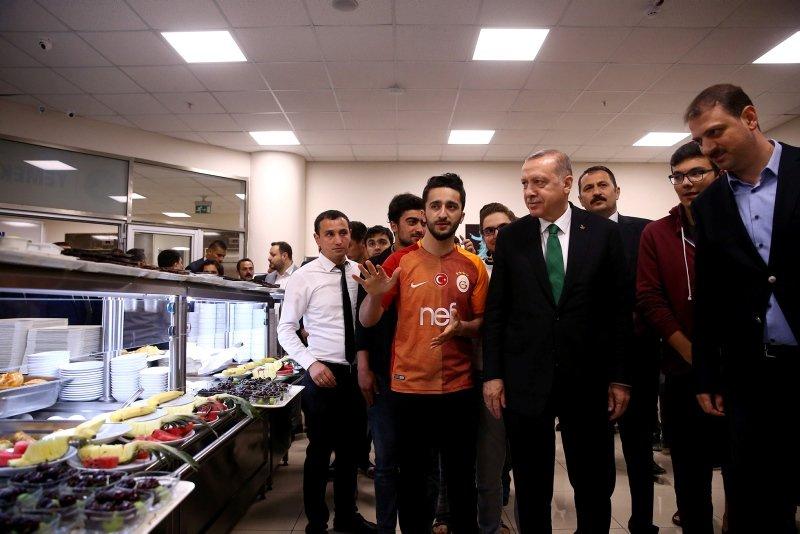 Cumhurbaşkanı Erdoğan'ın gençlerle sahuru izleyici rekoru kırdı