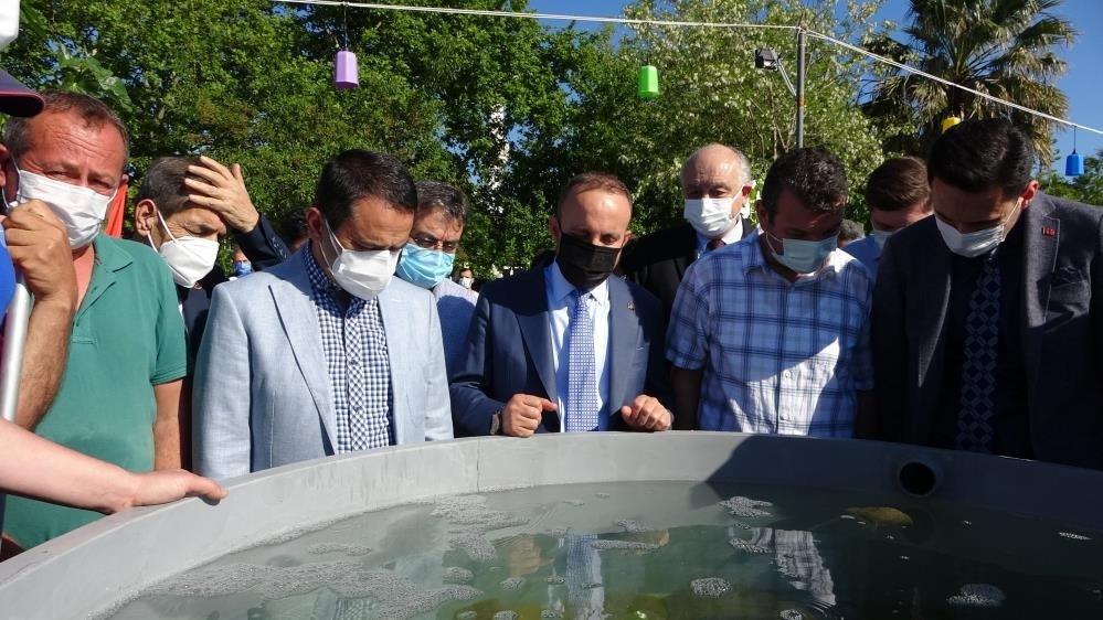 22 bin yavru balık Çanakkale Boğazı'na bırakıldı