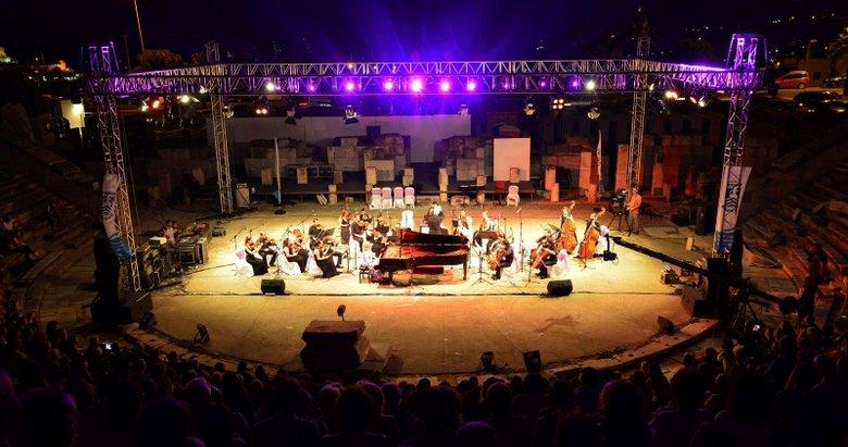 Antik Tiyatro'da 10. yıl konseri