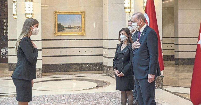 4 büyükelçi Erdoğan'a güven mektubu sundu