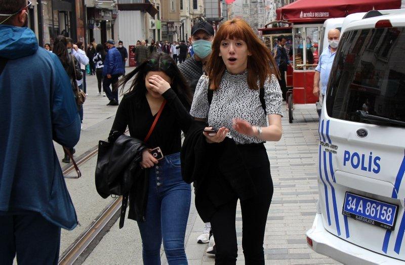 İstiklal Caddesi'nden korkutan kareler! Sosyal mesafe hiçe sayıldı
