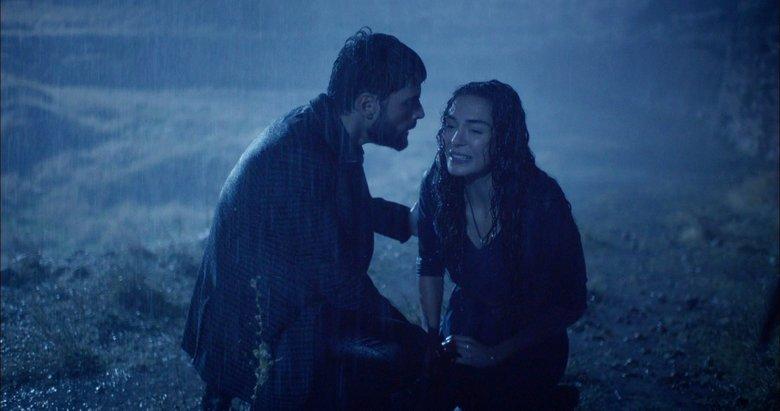 Hercai 21. bölümü ile geceye damgasını vurdu! Hercai Mardin'e yağmur yağdırdı