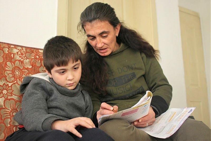 Uşak'ta 'Serebral Palsi' hastası çocuğa 10 yıl sonra gelen müjde! 'Umudu dünyalara bedel'
