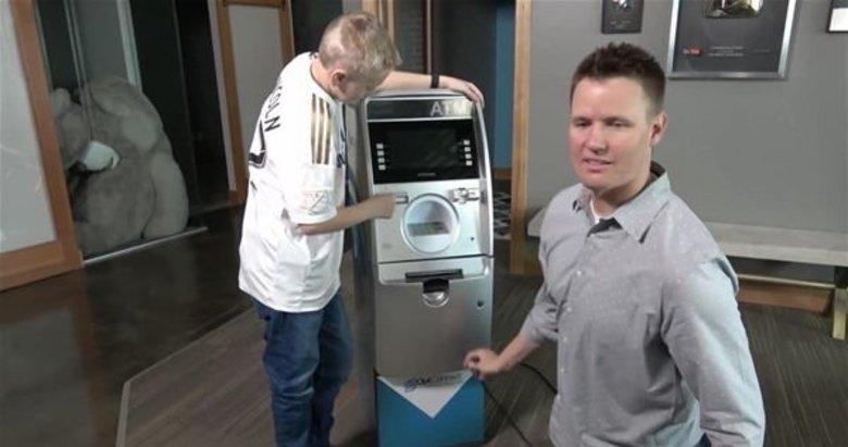 ATM cihazının içinden bakın neler çıktı!