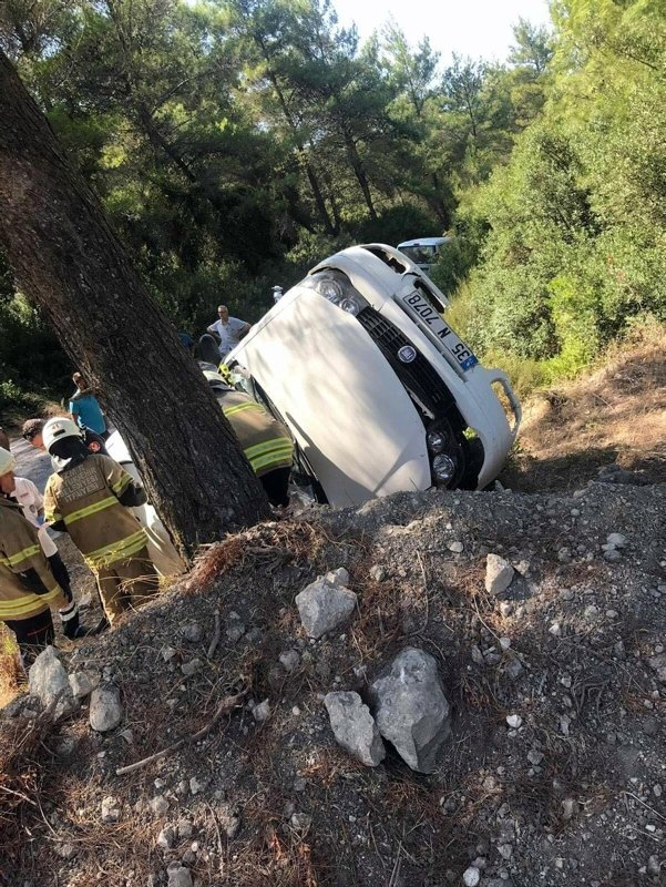 İzmir Urla'daki kazada baba öldü, iki kızı yaralandı