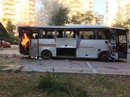 Mersinde polis aracına bombalı saldırı