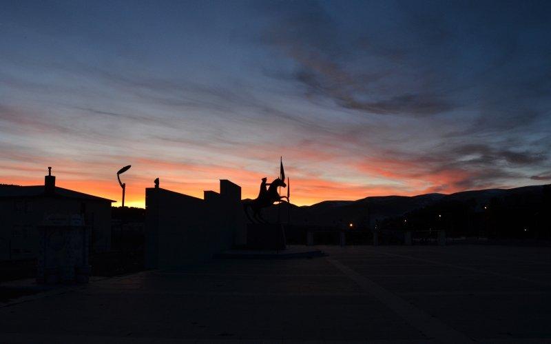 Görenler bir daha bakıyor! Gün batımında ortaya bu görüntü çıktı!