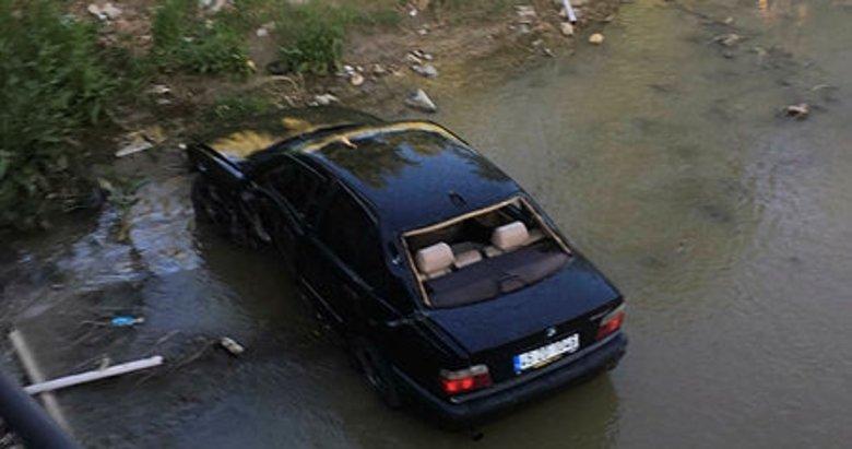 Manisa'da sürücünün tansiyonu düştü, otomobil çaya uçtu