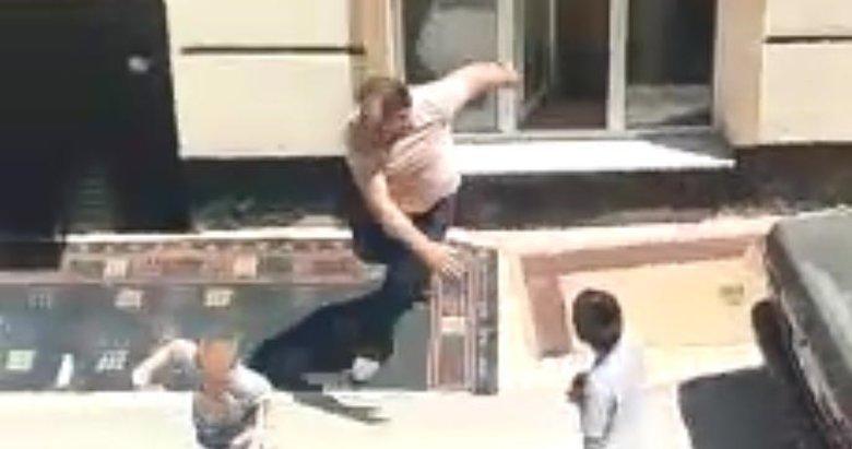 Kütahya'da sokak ortasında baba şiddeti