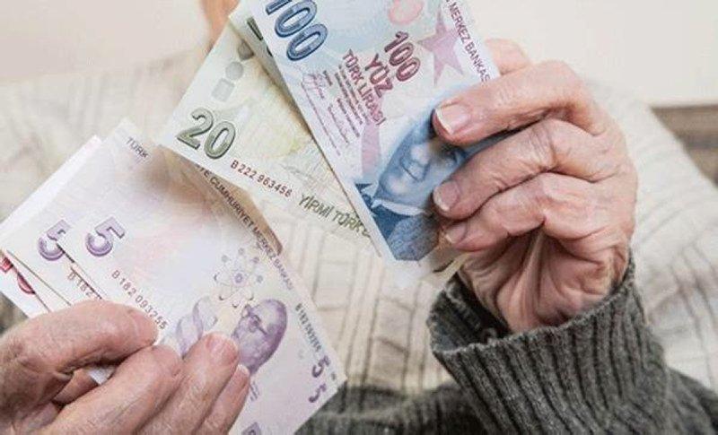 Emekliye 326 lira yeni zam!