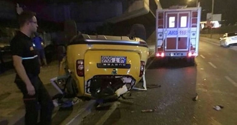 Ünlü oyuncu ve ailesi İzmir'de kaza geçirdi!