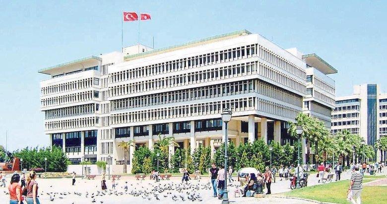 Kocaoğlu, İzmir'i yıkılmaya terk etti