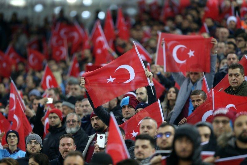 Trabzon'dan Mehmetçik'e tam destek! Tribünlerden dikkat çeken pankartlar