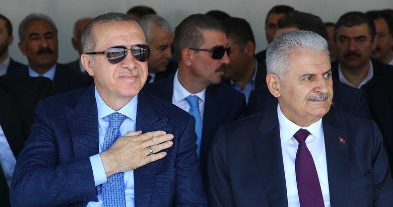 İzmirde Cumhurbaşkanı ve Başbakan için şarkı bestelendi