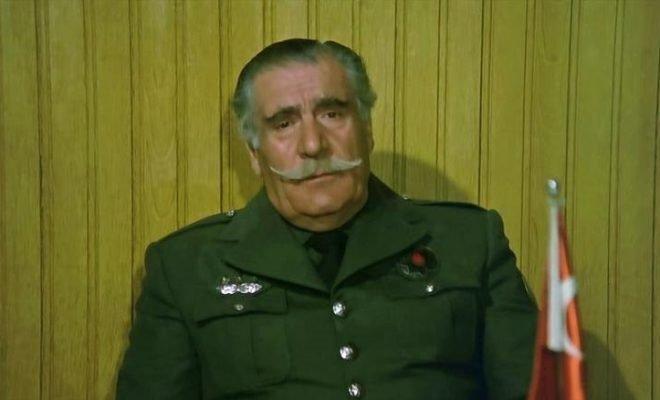 Yeşilçam'ın efsane 'Tonton' amcası Hulusi Kentmen vefatının 26. yılında anılıyor! İşte Yeşilçam'dan çok bilinmeyen kareler...