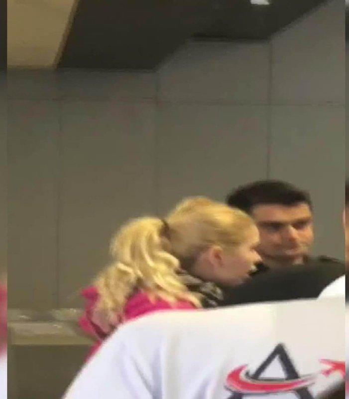 Aleyna Tilki havalimanını birbirine kattı