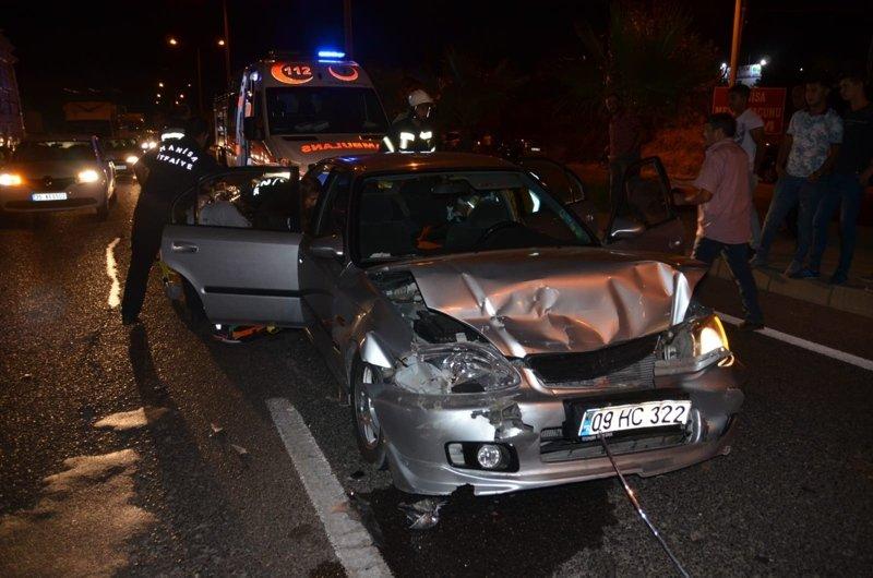 Manisa'da trafik kazaları! Yaralılar var