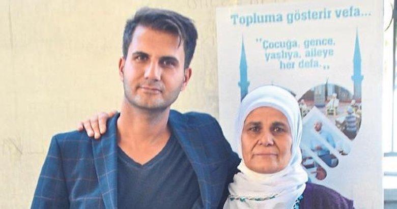 Terkedildiği camide Müslüman oldu