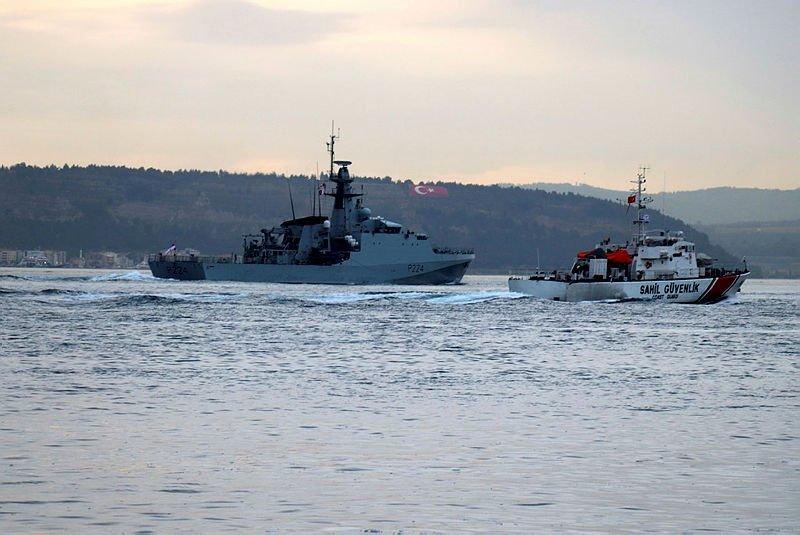 Rus ve İngiliz savaş gemileri Çanakkale Boğazı'ndan peş peşe geçti