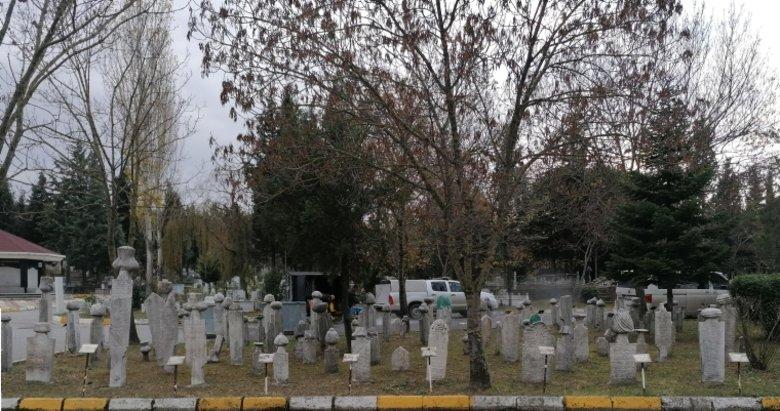 Sultan 2. Abdülhamid'in Çinli Hocasının kayıp mezar taşı bulundu