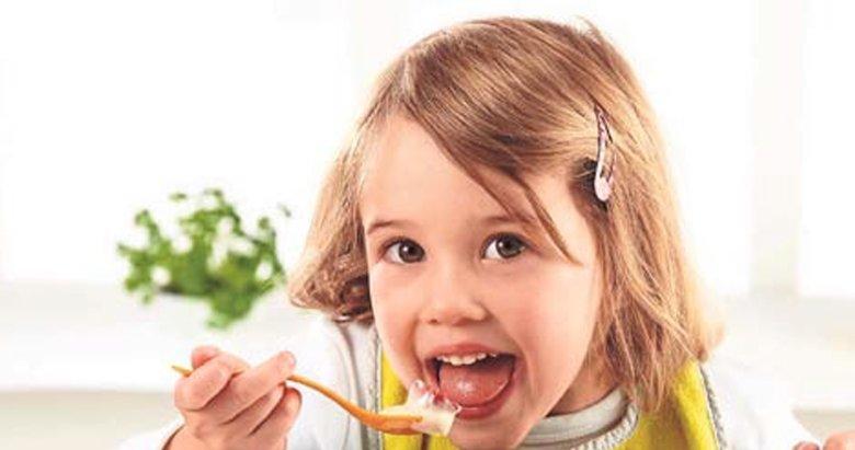 Çocuklar okula gitmeden önce kahvaltı yapmalı
